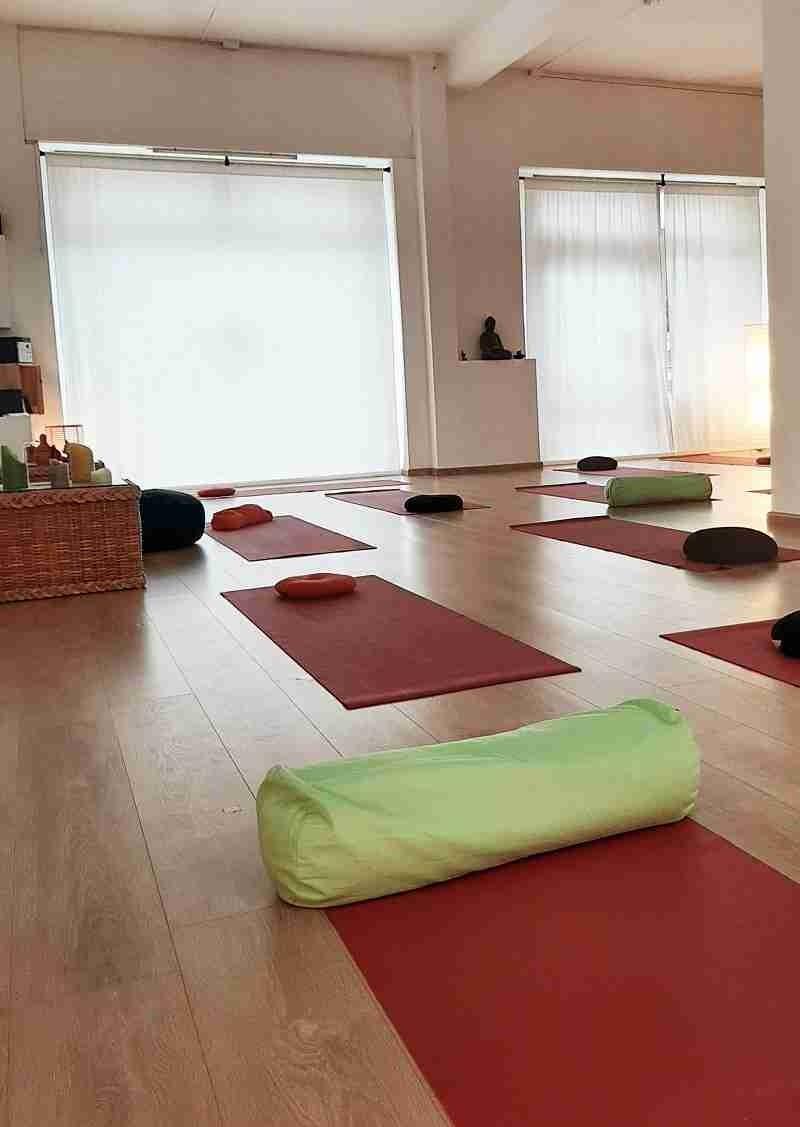 Corsi di yoga palestra Surya yoga Verbania